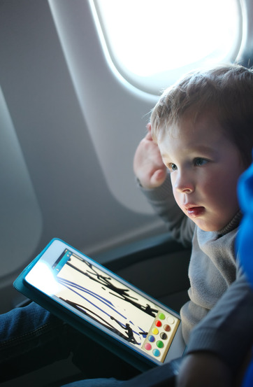 Tips for Keeping Kids Happy on Plane Rides